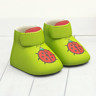 model: 3D Green babys' shoes with pink bugs